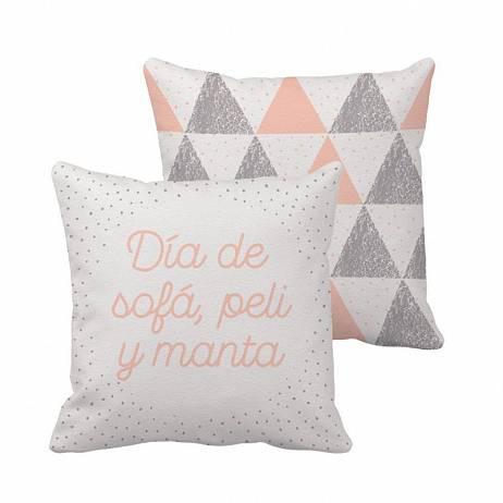 COJÍN DÍA DE SOFÁ, PELI Y MANTA.